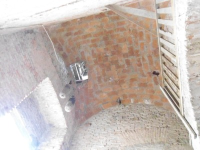Cúpula de ladrillos en torre Sur, iglesia de San Isidro