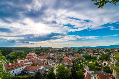 Ciudad paisaje cielo. Autor de imagen: Miki Czetti - Pexels
